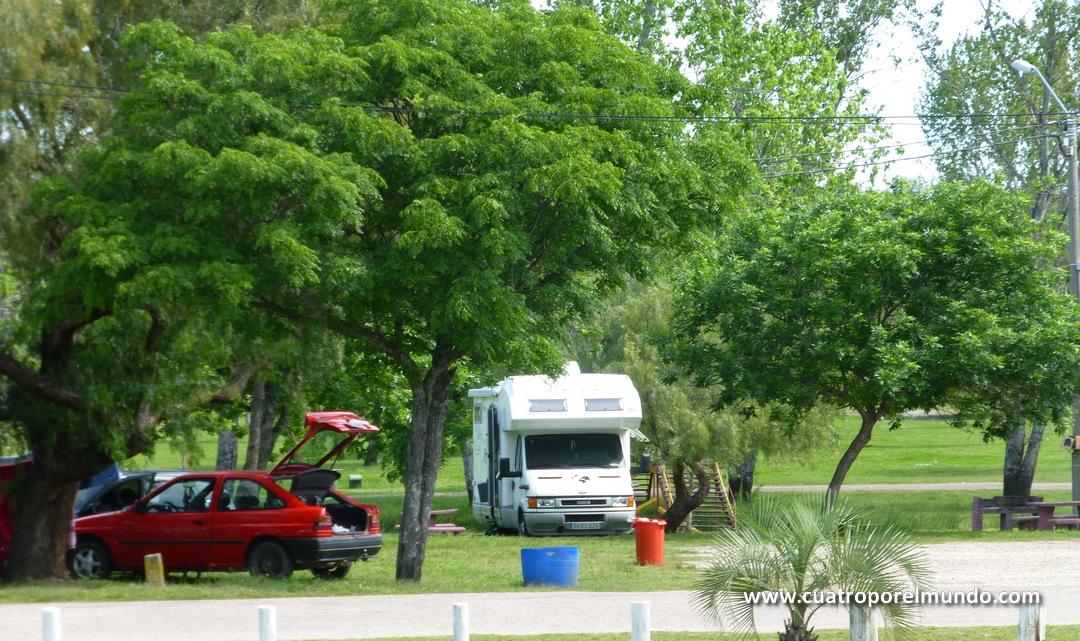 Acampados en Guaviyu cerca de las piscinas
