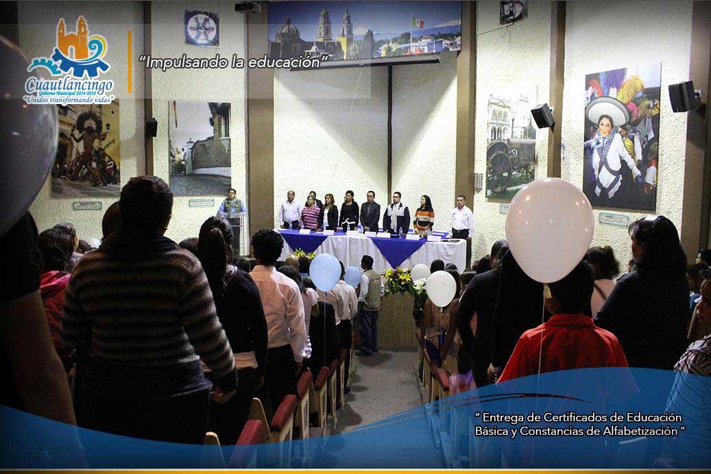 Entrega de Certificados de Educación Básica y Constancias de Alfabetización