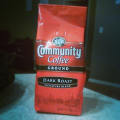 $2 12 oz. Bags of #CommunityCoffee at #WinnDixie Deal: $5.99, Bogo, plus there's a $1 off one bag peelie Q on the bags, use two (you can #coupon on the free item). So, $3.99 for two bags. #deals #coupons #couponing