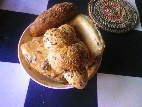 被當作主食的麵包,通常可以放很久。圖片來源:楊宗翰