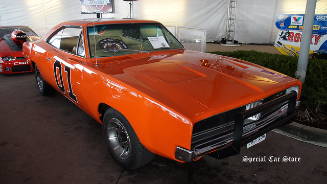 "Dodge Charger ""General Lee"" by Fast Toys Club"
