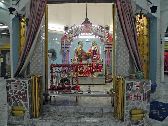 0457_DSCN0414_Sri Kunj Bihari Temple est dédié au culte de Vishnu