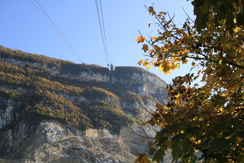 travel light mountain france leaves canon switzerland view geneva cablecar saleve 1000d