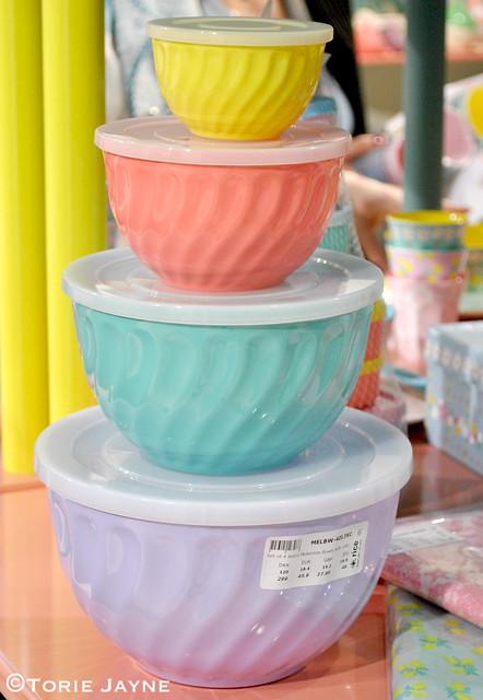 Pastel storage bowls