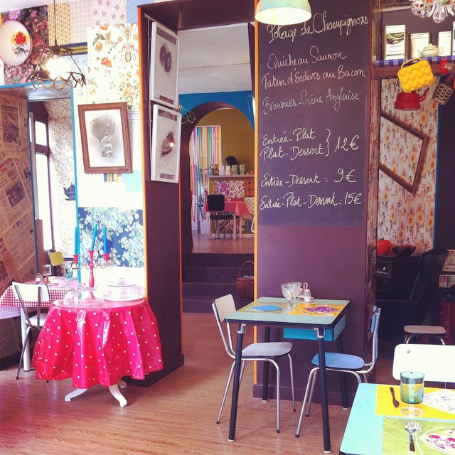 New Salon de Thé in #Bayeux - Chez Paulette. The decor is très kitsch. I love it!