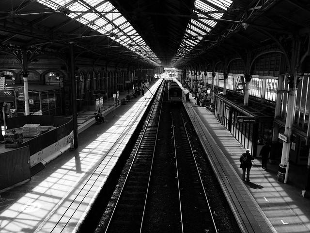 Gorsaf Preston (du a gwyn) / Preston Station (b&w)