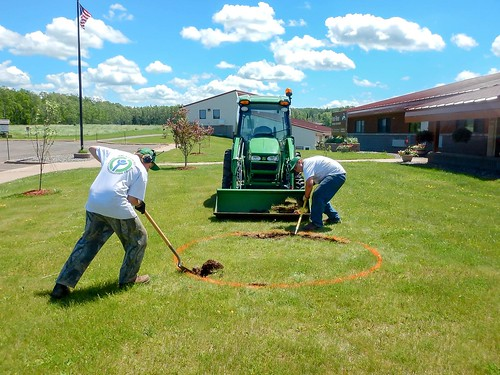 Iron River NFH (WI) YCCs adding a bird feeding station to the front lawn
