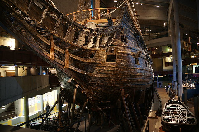800px-The_Vasa_from_the_Bow
