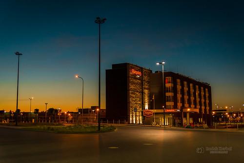 nikon nikond750 d750 tbnate poland polska gdansk hotel building architecture sunrise bynight night clouds sky landscape lights outdoor outside lechwalesaairport cityscape
