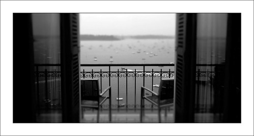 sea blackandwhite holiday france monochrome hotel frankreich brittany view general sony urlaub bretagne normandy hotelview dinard grandhotel melancholic luxuryhotel