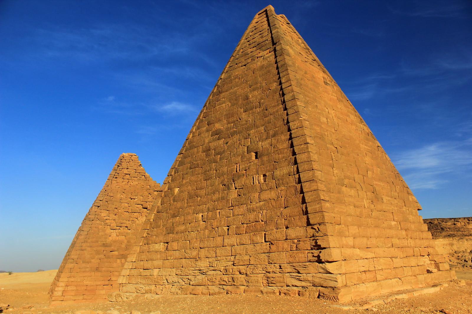 albarkal karima nubian pyramids nortern sudan