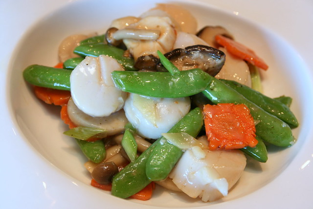 New England Scallops with Organic Vegetables