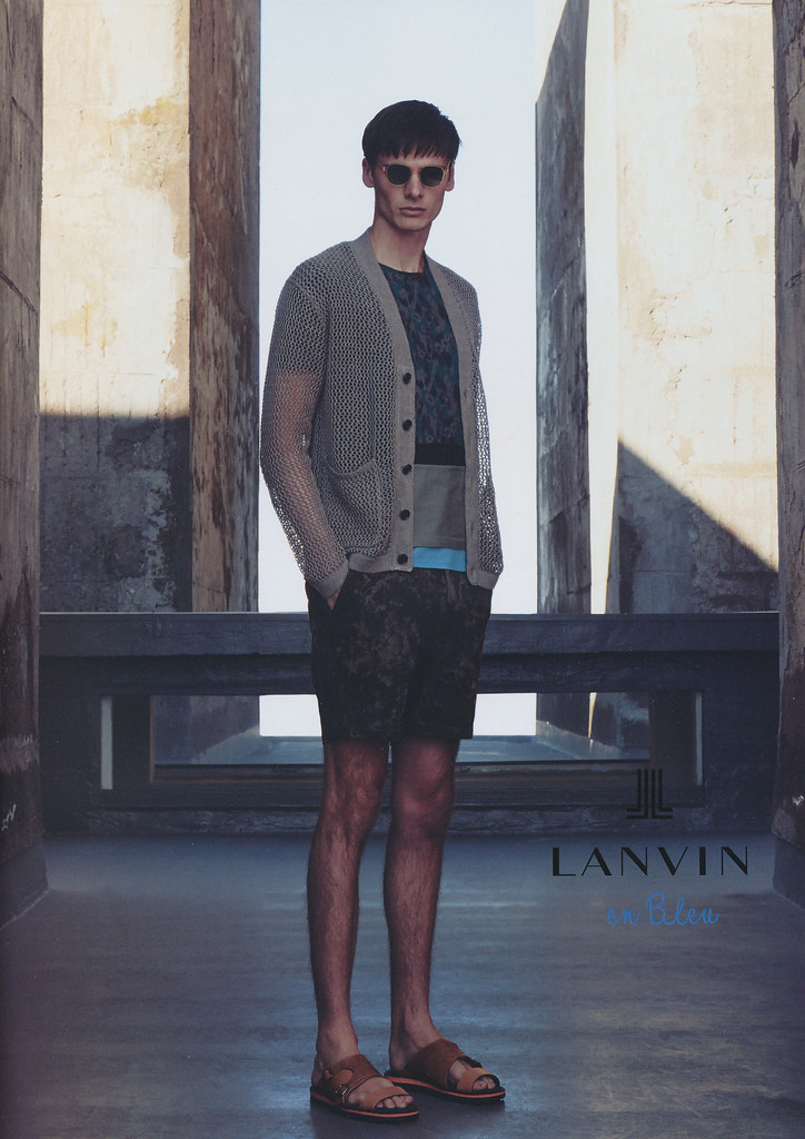 Angus Low0014_Lanvin en Bleu(men's FUDGE63 2014_06)
