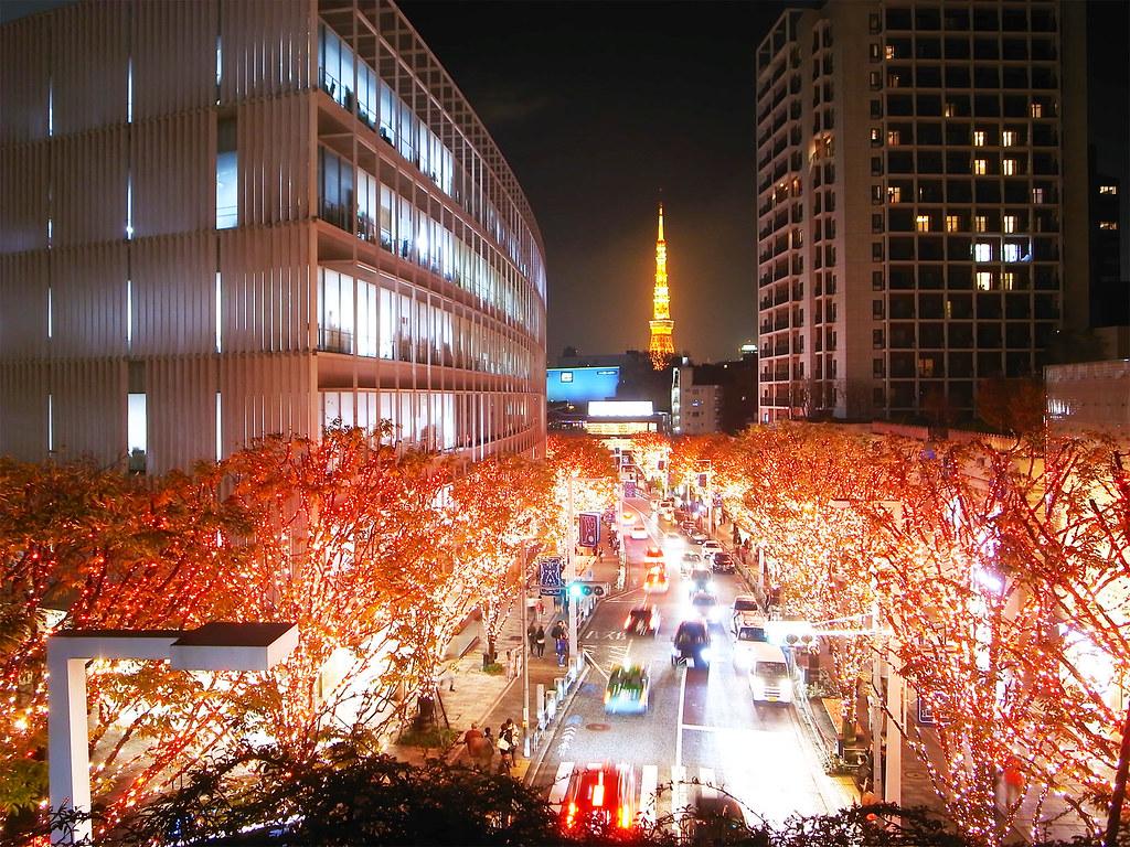 red_illuminations_at_Keyakizaka_Roppongi