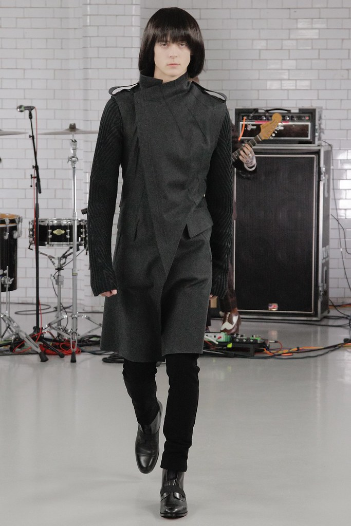 FW15 London Todd Lynn016_Gustaaf Wassink(VOGUE)