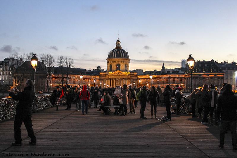 PARIS - Pont des Arts / Collège des Quatre-Nations