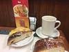 Café en Reynosa y rosca de Reyes.
