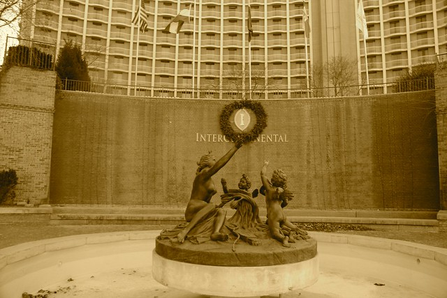 Intercontinental Statue at Country Club Plaza, Kansas City, MO