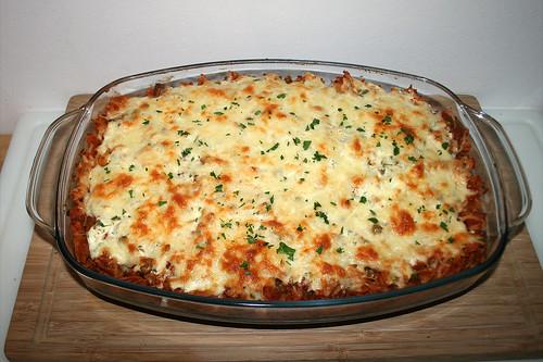 50 - Pasta bake with ground meat, peas & feta - Fertig gebacken / Spirelli-Auflauf mit Hackfleisch, Erbsen & Feta - Fertig gebacken