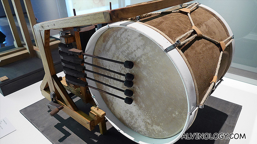 A mechanical drum da Vinci designed to entertain guests