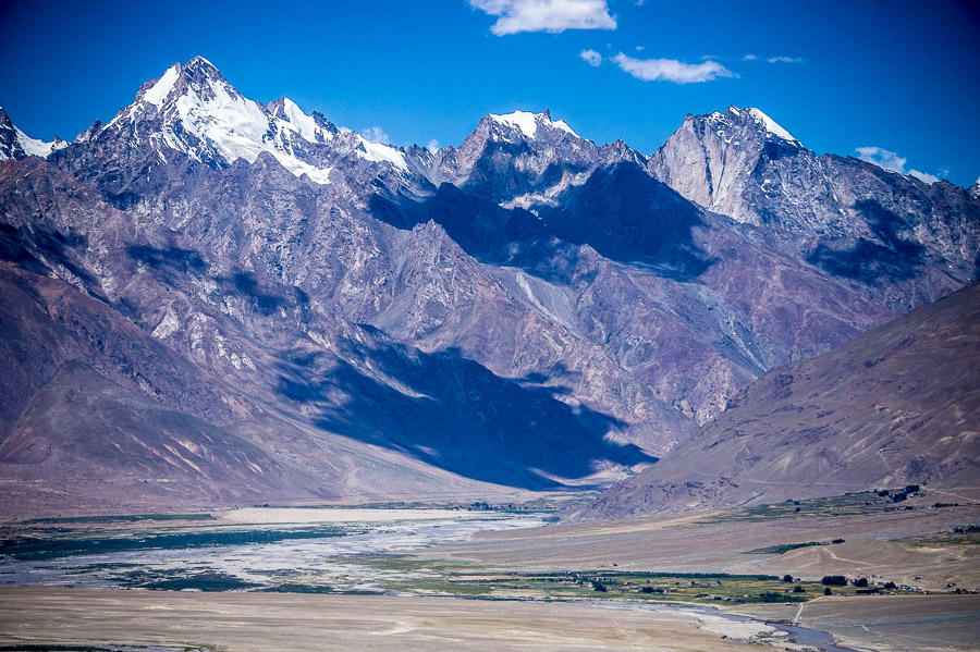Вид на долину с монастыря Зангла, Долина Занскар © Kartzon Dream - авторские путешествия, авторские туры в Индию, тревел фото, тревел видео, фототуры