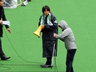 2012年からの加入内定が発表された梶川諒太選手がゴール裏へ挨拶に
