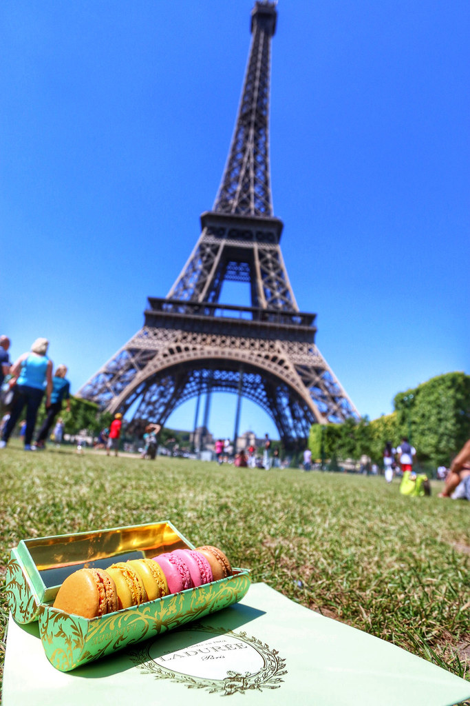 Top 10 Paris Experiences… on a Budget!