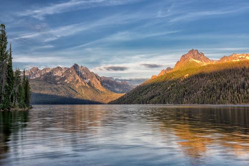 sunrise dawn lakes idaho stanley daybreak sawtooths sawtoothmountains redfishlake sawtoothnationalrecreationarea mtheyburn grandmogul