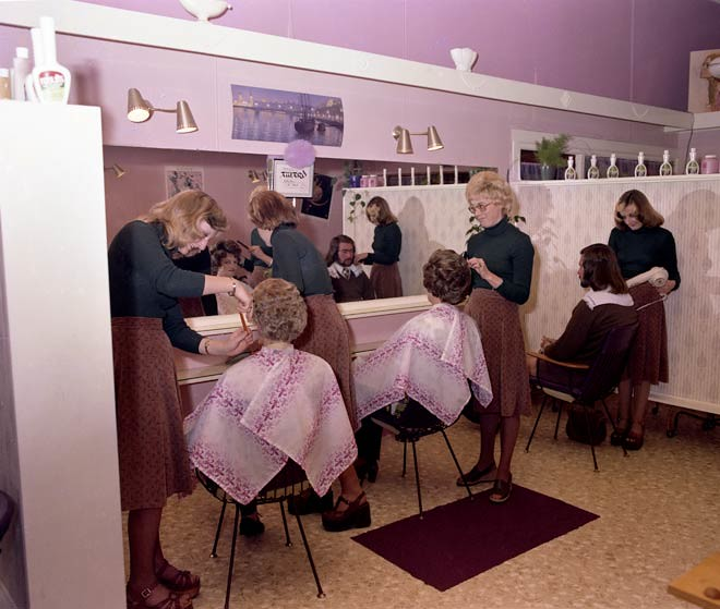 Vintage Hair Salon on Pinterest Vintage Hair Salons, Vintage Salon ...