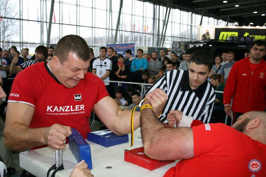 Anton Minaev vs. Imiraslan Agashirinov - Moscow Armwrestling Championship 2014 │ Photo Source: armsport-rus.ru