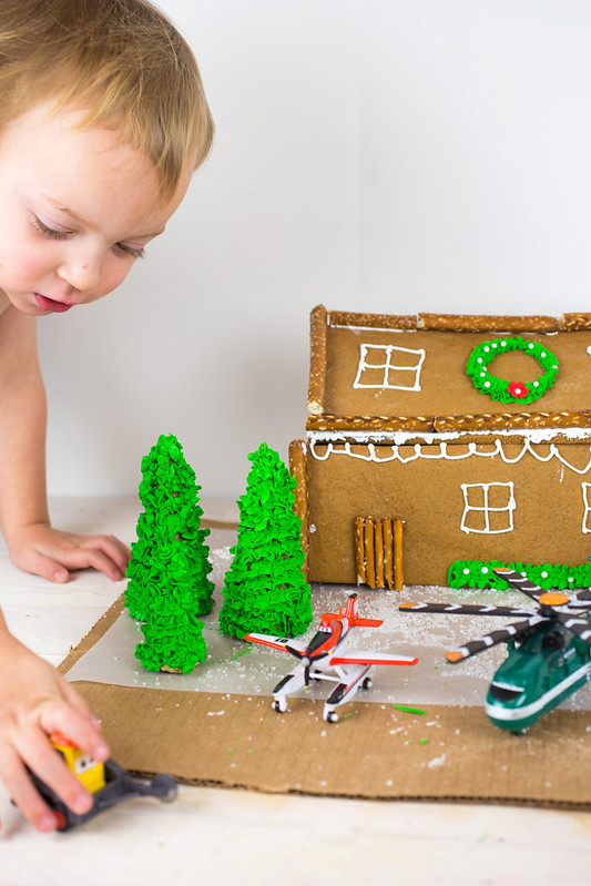Planes Fire and Rescue Gingerbread House-2