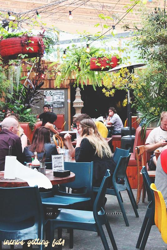 oxford-tavern-garden-seating