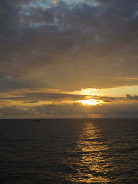 sunset sunrise boat ship gas westafrica oil gabon seismic cgg geocoral