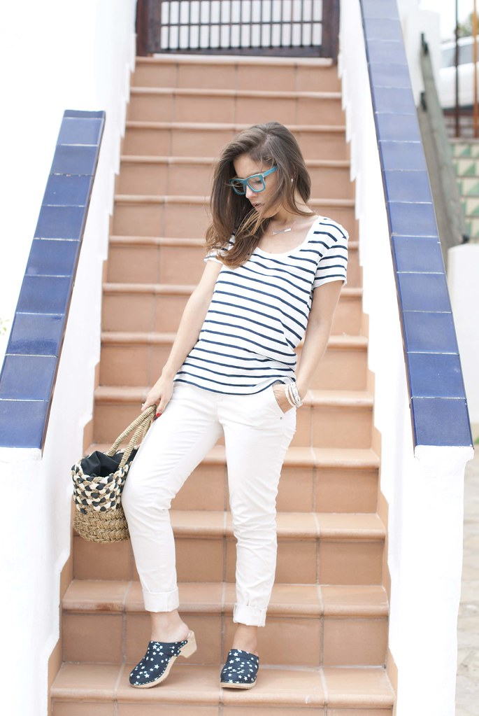 03_Mixing_stripes_and_stars_outfit