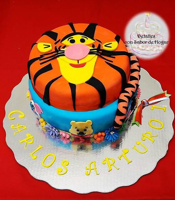 Cake by Laura Serrano Jiménez of Detalles con Sabor de Hogar