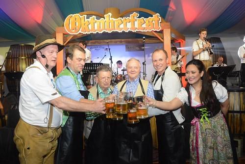 77th Oktoberfest Guest (17)