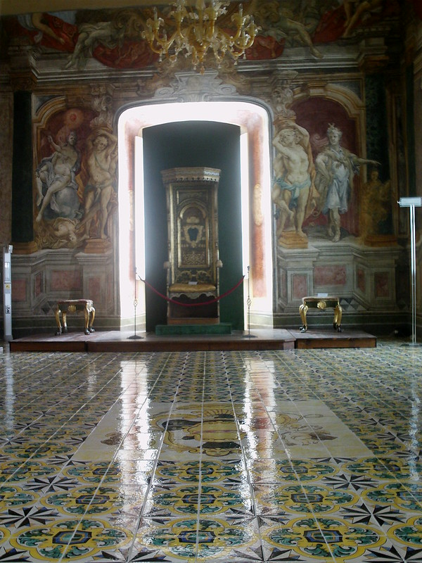 Throne room, Melfi