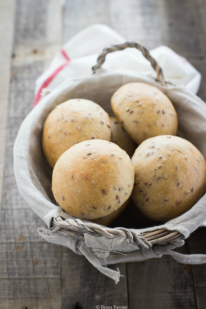 panini semi integrali al farro e semi di lino