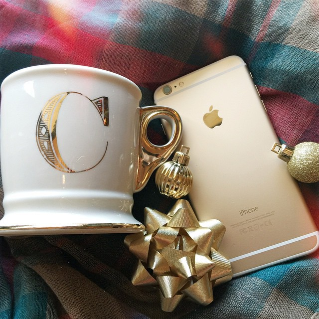 Santa was good to me!! Can you tell I love all things gold?! Brian said he went through all kinds of trouble to get the mug in a 'C' for me. I had to have it, though, so I am glad he found it!! I am switching from Sprint to Verizon, hope it works just as