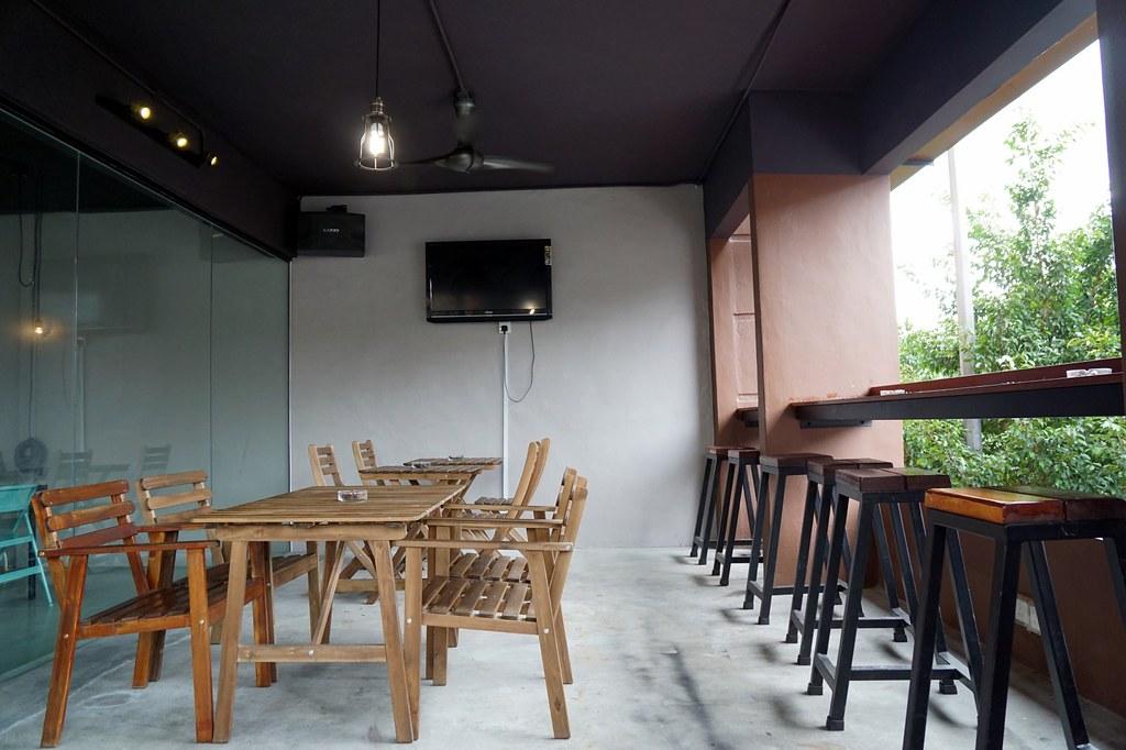 Bedrock Restaurant cafe - taipan - waffles, breakfast, salt chicken-003