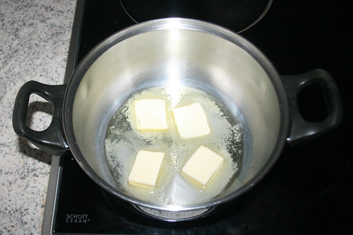 25 - Butter zerlassen / Melt butter
