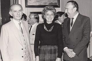 Eugenio Cruz Vargas en exposición de 1986
