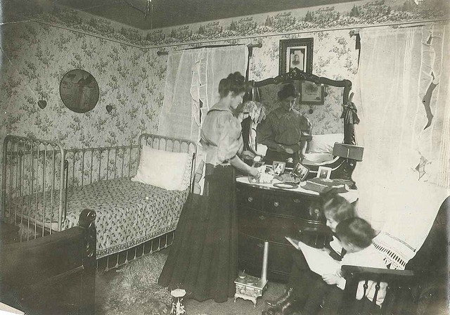 1909-bedroom - iron crib