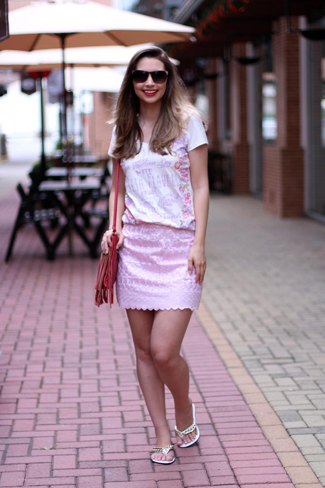 05-look-saia-rosa-e-tshirt