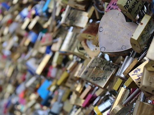 Blog-Paris-LoveLockBridge-02