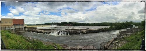 ma landscapes massachusetts panoramas panoramic holyoke mass connecticutriver dams builtenvironment civilengineering hydroelectricpowerplants snapseed holyokegaselectric robertebarrettfishway