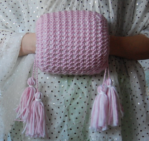 Muff Knitting Pattern : The Fashionable Past: A Knitted Muff from 1847
