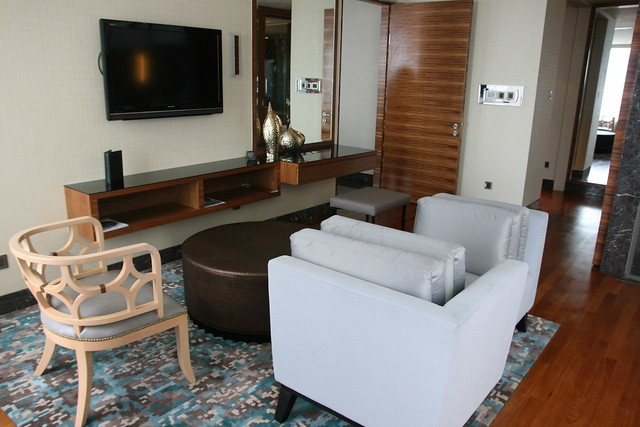Living area of the bedroom in the Presidential Suite
