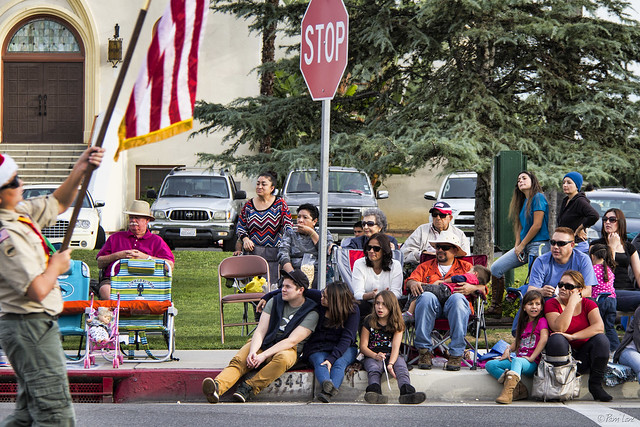 Downey Christmas Parade 2014 spectators