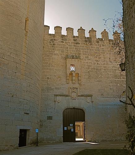 Entrada al Castillo de Cuéllar.